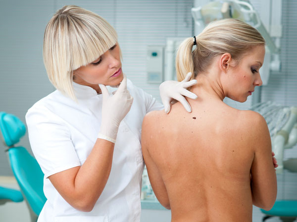 7 Warning Signs You Need To See A Dermatologist.