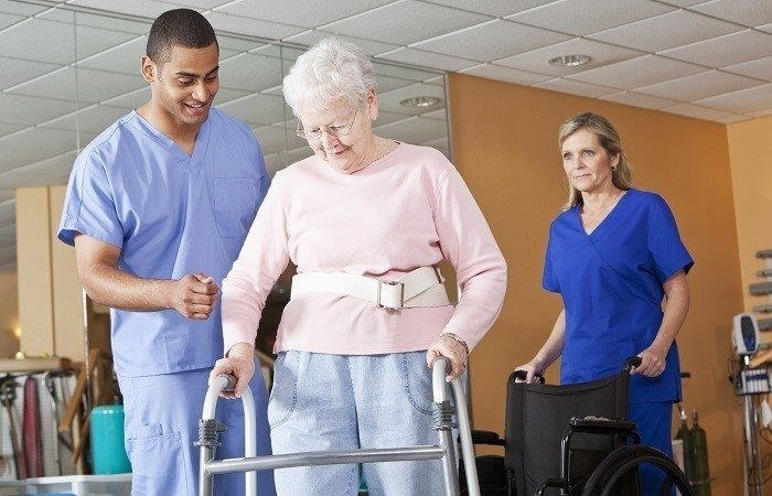 4Five (5) Effective Tips To Prevent Falls.